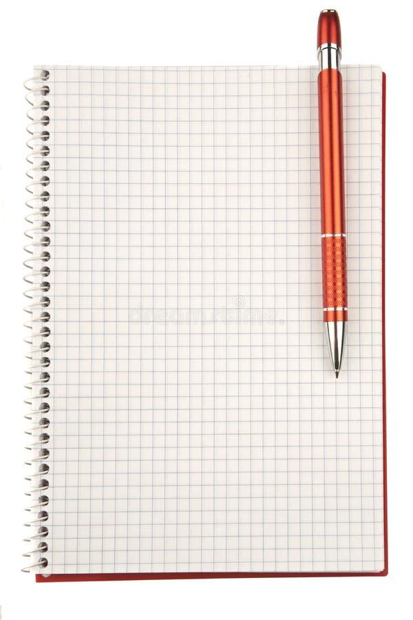 Ανοικτό ελεγχμένο κενό σημειωματάριο την κόκκινη μάνδρα που απομονώνεται με στο λευκό στοκ εικόνα με δικαίωμα ελεύθερης χρήσης