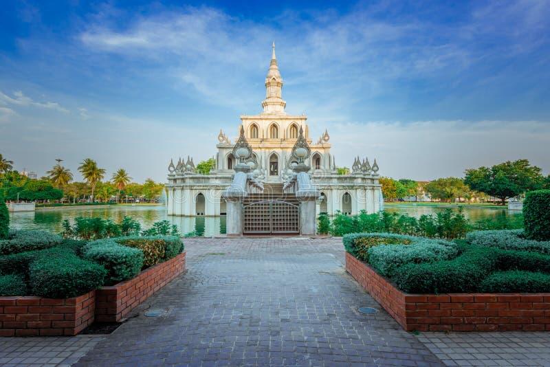 Ανοικτό Πανεπιστήμιο Sukhoταϊλάνδης Thammatriat στο Nonthaburi της Ταϊλάνδης στοκ φωτογραφίες