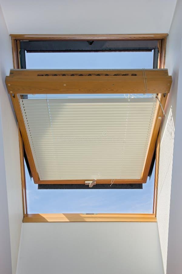 ανοικτό παράθυρο στοκ εικόνα με δικαίωμα ελεύθερης χρήσης
