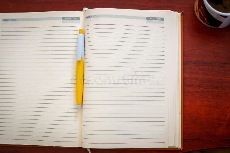 Ανοικτό σημειωματάριο στοκ φωτογραφίες