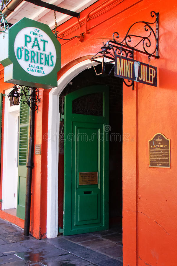 Ανοιχτή πόρτα ράβδων OBriens ελαφριού κτυπήματος της Νέας Ορλεάνης στοκ εικόνα με δικαίωμα ελεύθερης χρήσης