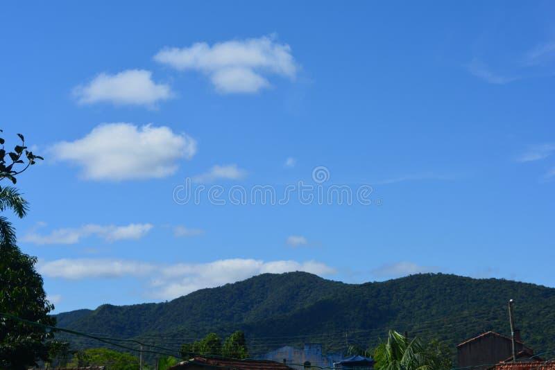 Ανοιχτός ουρανός χωρίς κυκλοφορία στοκ φωτογραφία με δικαίωμα ελεύθερης χρήσης