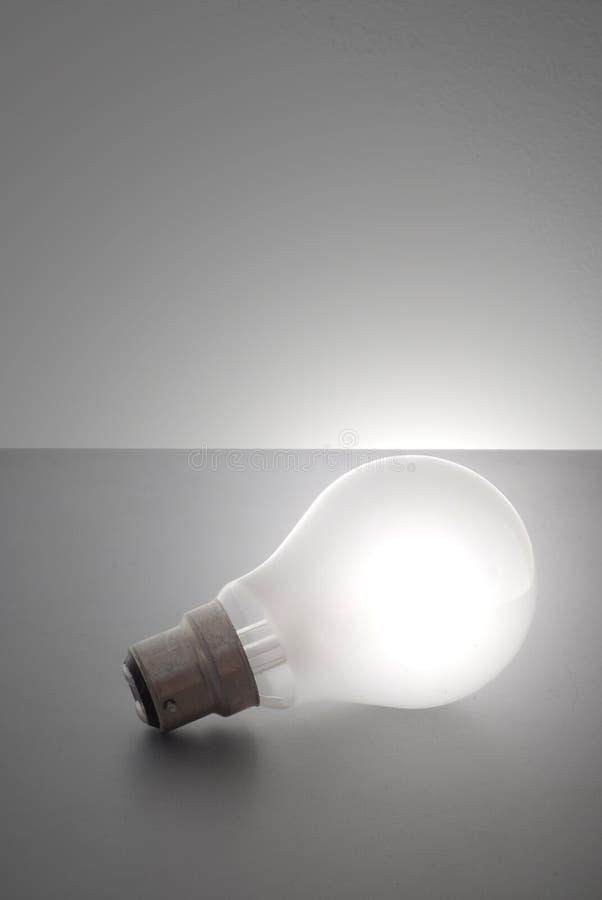 ανοιχτό λευκό βολβών στοκ εικόνες με δικαίωμα ελεύθερης χρήσης