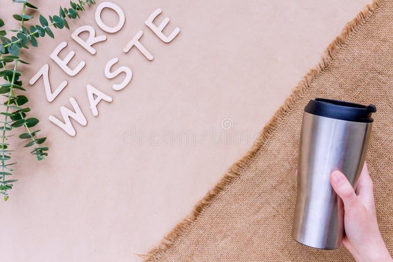 Ανοξείδωτο επαναχρησιμοποιήσιμο φλυτζάνι καφέ r στοκ εικόνες