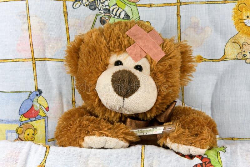 αντέξτε καφετή ανεπαρκή teddy στοκ εικόνες