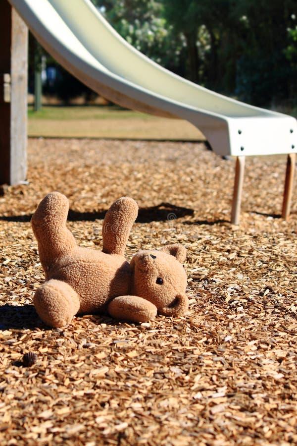 αντέξτε την παιδική χαρά teddy στοκ εικόνες