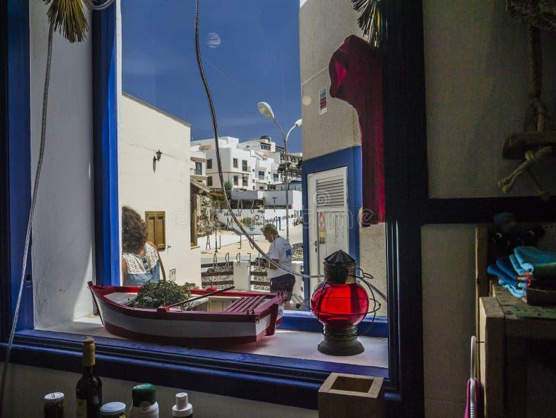 αντέξτε το παράθυρο γλυκών καταστημάτων κιβωτίων στοκ φωτογραφίες