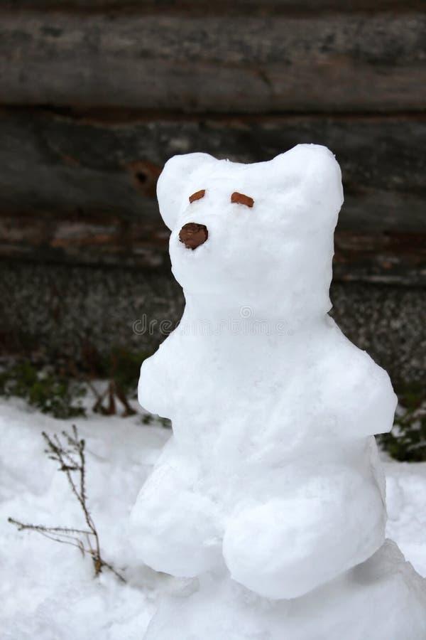 αντέξτε το χιόνι γλυπτών στοκ εικόνες