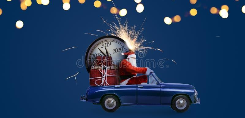 Αντίστροφη μέτρηση Άγιου Βασίλη στο αυτοκίνητο στοκ φωτογραφίες με δικαίωμα ελεύθερης χρήσης
