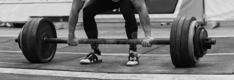 Ανταγωνισμοί Powerlifting στην οδό στοκ εικόνες