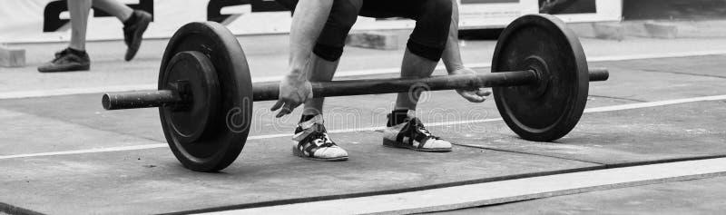 Ανταγωνισμοί Powerlifting στην οδό στοκ φωτογραφία