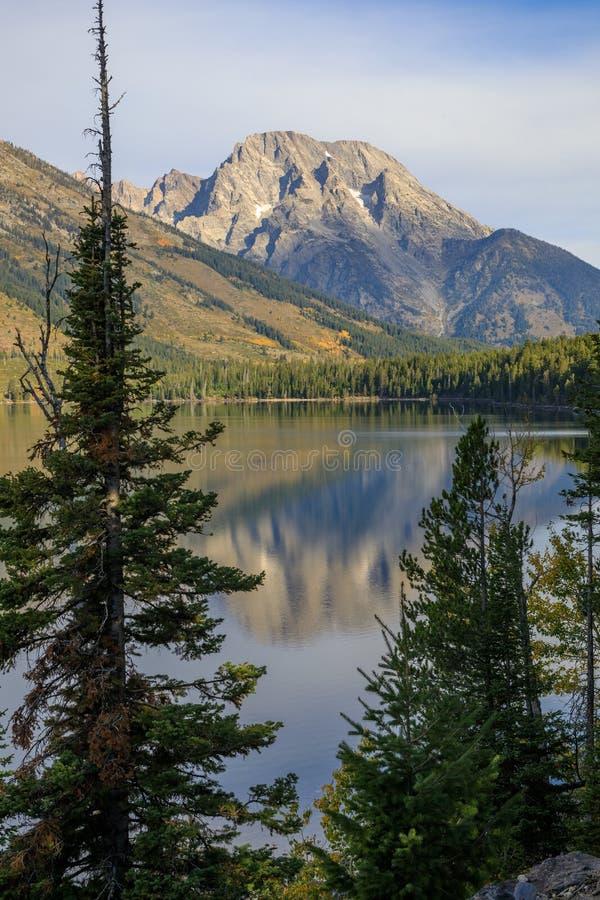 Αντανάκλαση λιμνών της Jenny το φθινόπωρο στοκ φωτογραφία