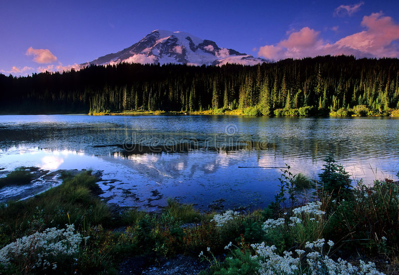 αντανάκλαση λιμνών στοκ φωτογραφίες