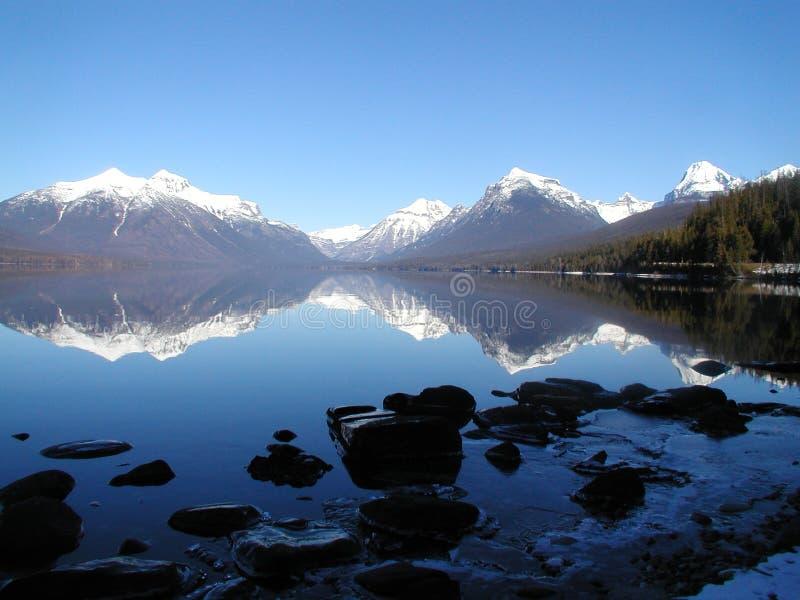 αντανάκλαση λιμνών mcdonald στοκ φωτογραφίες με δικαίωμα ελεύθερης χρήσης