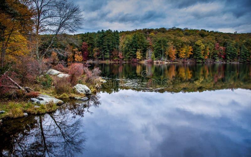 Αντανάκλαση στο νερό, επτά λίμνες στοκ φωτογραφία με δικαίωμα ελεύθερης χρήσης