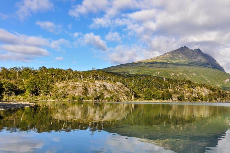 Αντανάκλαση, εθνικό πάρκο Γης του Πυρός, Ushuaia, Αργεντινή στοκ εικόνες