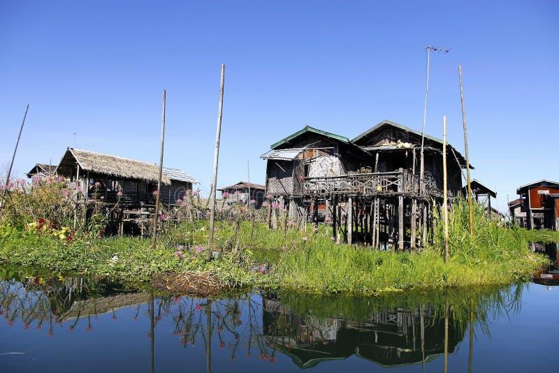 Αντανάκλαση στη λίμνη Inle στοκ φωτογραφία με δικαίωμα ελεύθερης χρήσης