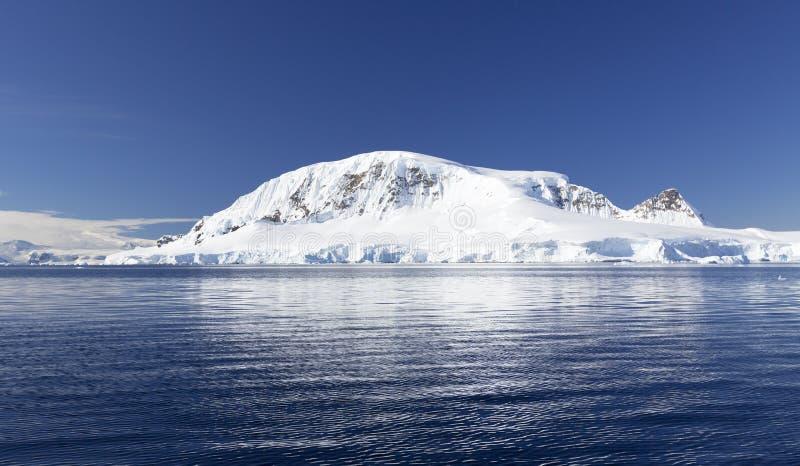 Ανταρκτική ακτή στοκ εικόνα με δικαίωμα ελεύθερης χρήσης