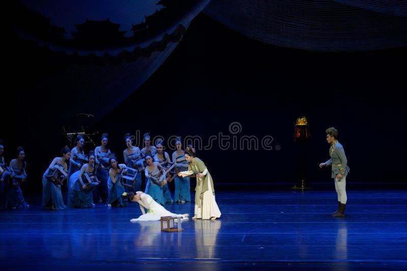 Αντιμετωπίστε την χτύπημα-δεύτερη πράξη: μια γιορτή στην πριγκήπισσα ` μεταξιού δράματος ` χορού παλάτι-έπους στοκ φωτογραφίες με δικαίωμα ελεύθερης χρήσης