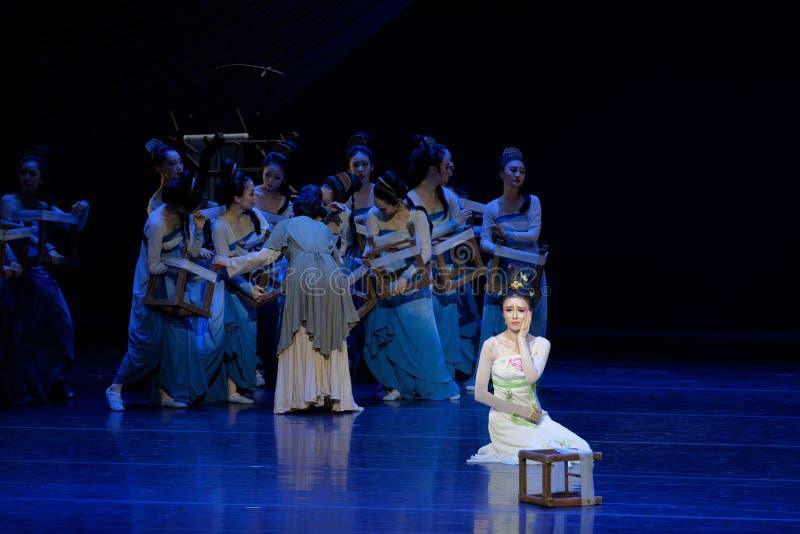 Αντιμετωπίστε την χτύπημα-δεύτερη πράξη: μια γιορτή στην πριγκήπισσα ` μεταξιού δράματος ` χορού παλάτι-έπους στοκ εικόνες με δικαίωμα ελεύθερης χρήσης