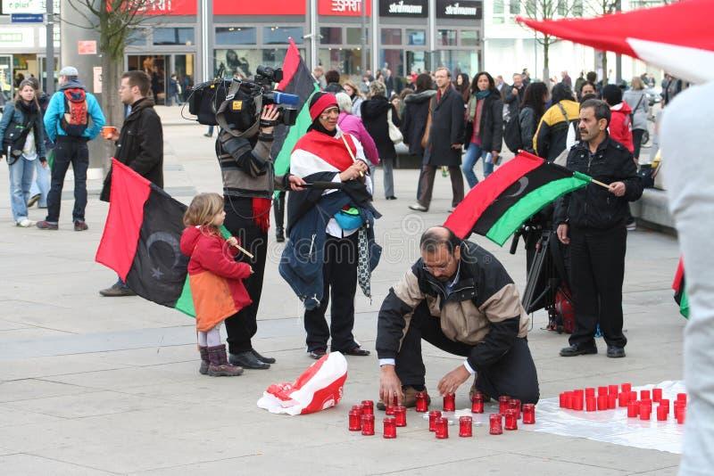 αντι διαμαρτυρόμενοι gaddafi στοκ εικόνες