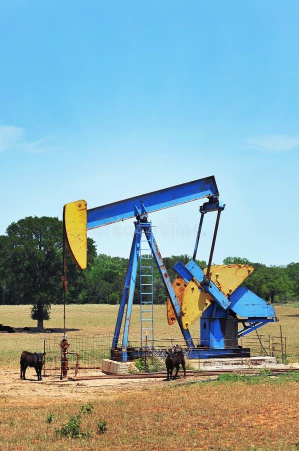αντλία πετρελαίου καλά στοκ εικόνα με δικαίωμα ελεύθερης χρήσης