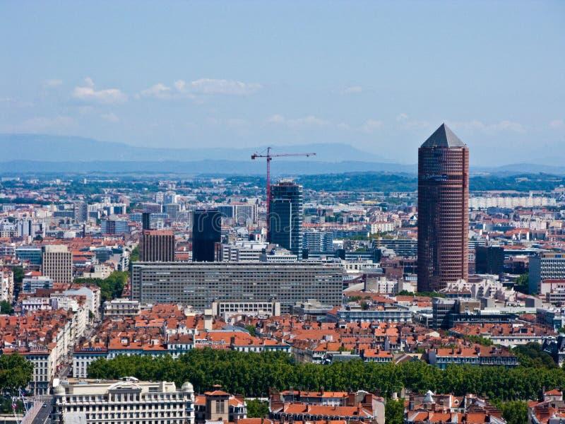 Ανυψωμένη πανόραμα άποψη της Λυών την ηλιόλουστη ημέρα στοκ φωτογραφία με δικαίωμα ελεύθερης χρήσης
