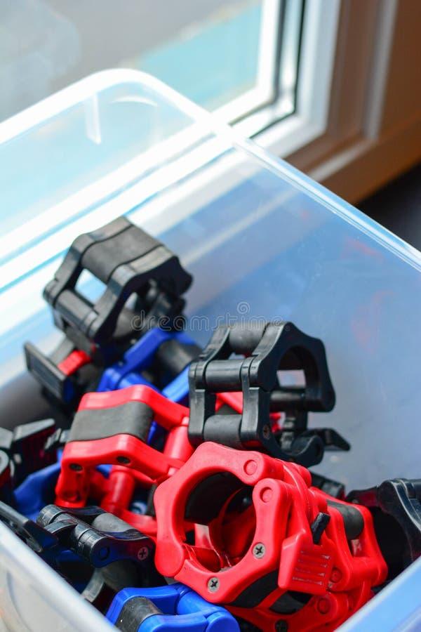 Ανυψωτικό εργαλείο δύναμης, που κλειδώνει τα μέρη στο πλαστικό στοκ φωτογραφία με δικαίωμα ελεύθερης χρήσης