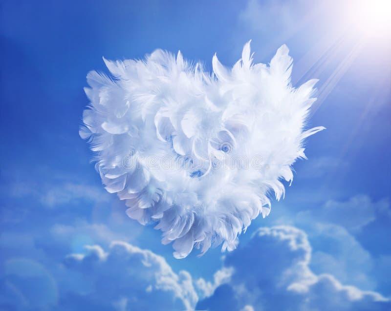 ανύψωση αγάπης καρδιών σύνν&epsil στοκ φωτογραφία με δικαίωμα ελεύθερης χρήσης