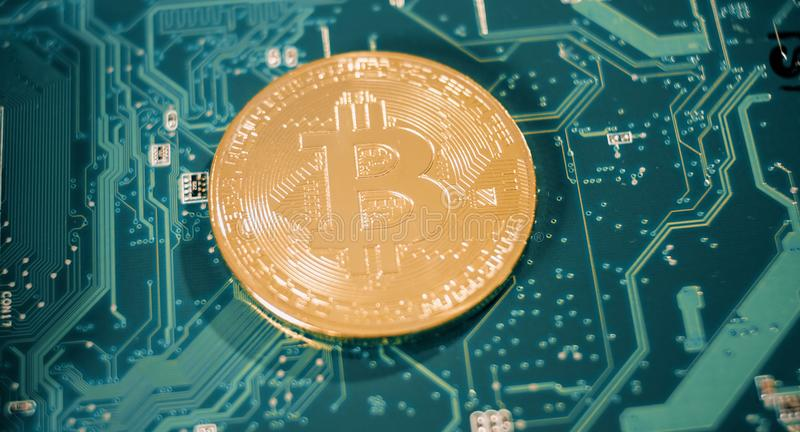 Ανώνυμη εικονική crypto σύλληψη συμβόλων νομίσματος στοκ εικόνες
