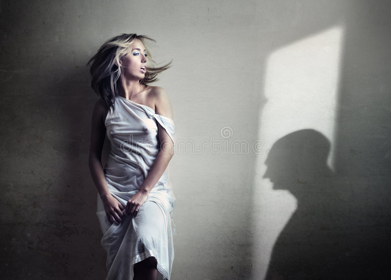 ανώνυμο διαλογικό παράθ&upsilon στοκ φωτογραφία με δικαίωμα ελεύθερης χρήσης