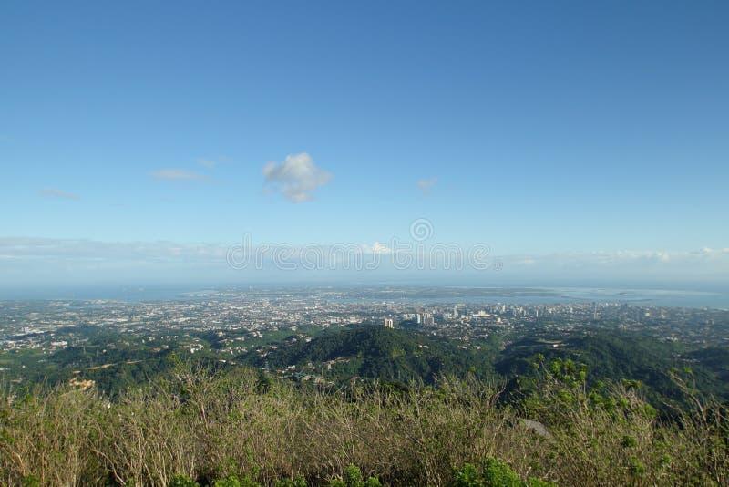 Ανώτατη επιφυλακή πέρα από την πόλη του Κεμπού, Κεμπού, Φιλιππίνες στοκ φωτογραφία με δικαίωμα ελεύθερης χρήσης