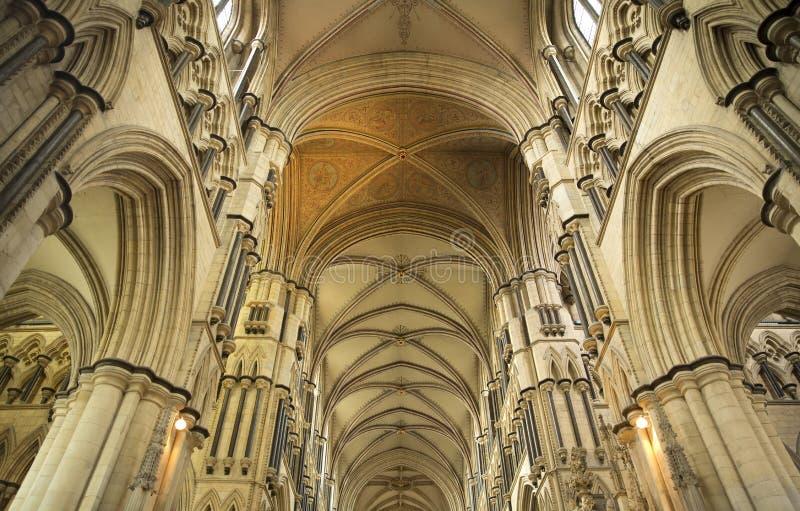 Ανώτατο όριο και πέρασμα της εσωτερικής άποψης του μοναστηριακού ναού Beverely από τη χορωδία, Beverley, ανατολική οδήγηση του Γι στοκ φωτογραφία με δικαίωμα ελεύθερης χρήσης