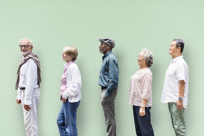 Ανώτερη έννοια τρόπου ζωής φίλων ανθρώπων ποικιλομορφίας στοκ φωτογραφία με δικαίωμα ελεύθερης χρήσης
