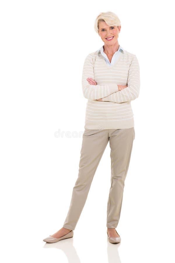 Ανώτερη γυναίκα στο λευκό στοκ φωτογραφία με δικαίωμα ελεύθερης χρήσης