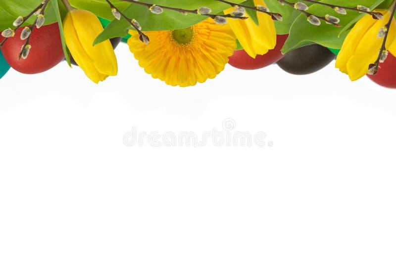 Ανώτερη διακόσμηση Πάσχας με τα λουλούδια και τα αυγά στοκ φωτογραφία με δικαίωμα ελεύθερης χρήσης