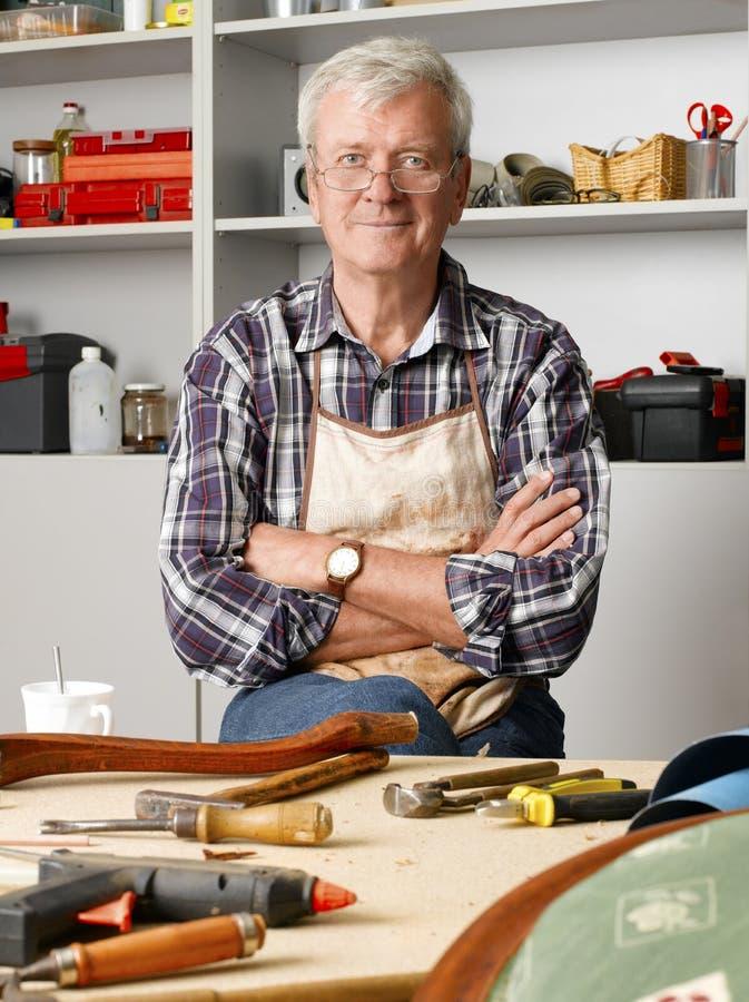 Ανώτερος ξυλουργός στοκ φωτογραφίες με δικαίωμα ελεύθερης χρήσης