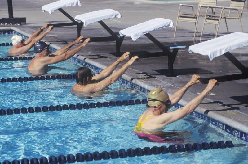 Ανώτερος ολυμπιακός ανταγωνισμός κολύμβησης στοκ εικόνες