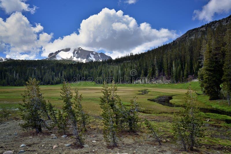 Ανώτερο λιβάδι, ηφαιστειακό εθνικό πάρκο Lassen στοκ φωτογραφίες