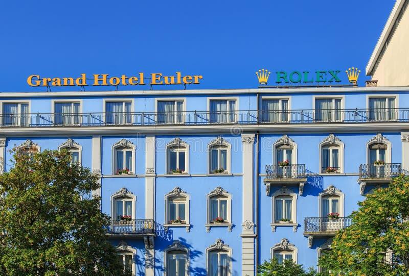 Ανώτερο μέρος της μεγάλης πρόσοψης οικοδόμησης Euler ξενοδοχείων στοκ φωτογραφίες με δικαίωμα ελεύθερης χρήσης