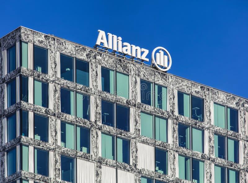 Ανώτερο μέρος του κτηρίου Allianz Suisse σε Wallisellen, Switze στοκ φωτογραφία