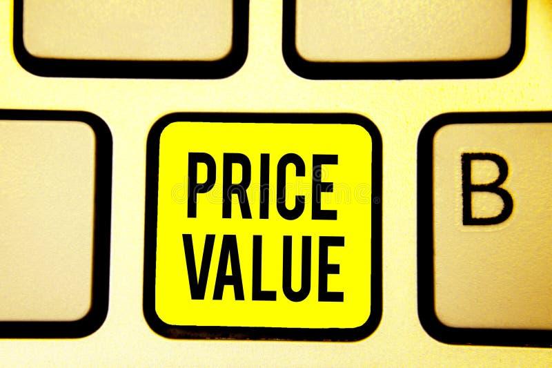 Αξία τιμών κειμένων γραφής Έννοια που σημαίνει τη στρατηγική που θέτει το κόστος πρώτιστα αλλά όχι αποκλειστικά πληκτρολόγιο κίτρ απεικόνιση αποθεμάτων