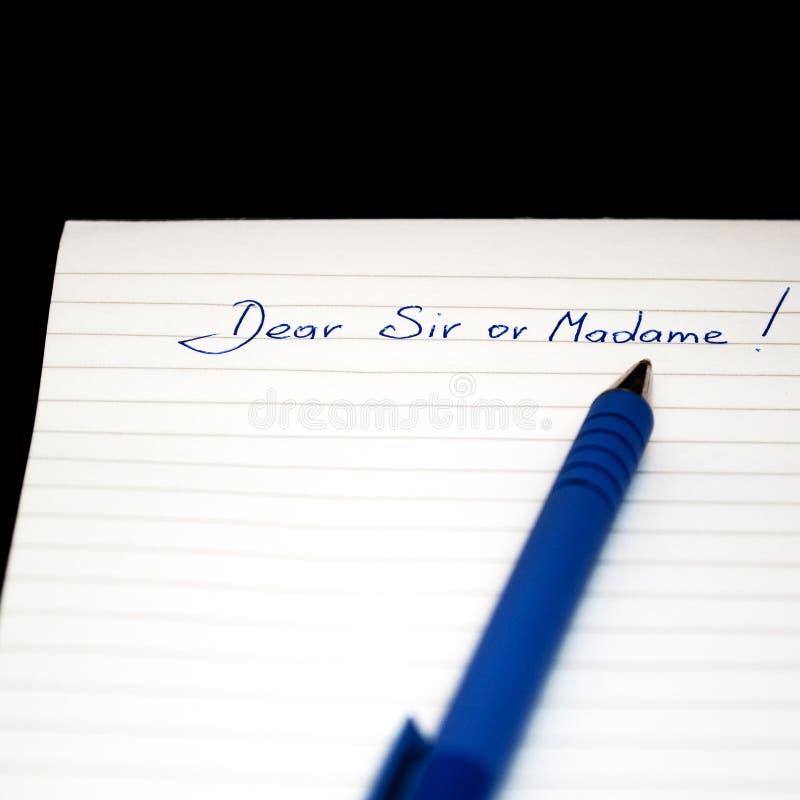 Αξιότιμε Κύριε ή η κυρία γραπτή χέρι σημείωση, γράψιμο επιστολών στοκ εικόνες