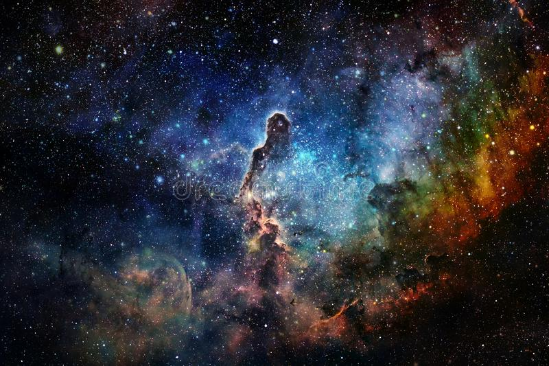 Απίστευτα όμορφος γαλαξίας κάπου στο βαθύ διάστημα o απεικόνιση αποθεμάτων