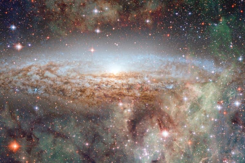 Απίστευτα όμορφος γαλαξίας πολλά ελαφριά έτη μακριά από τη γη στοκ φωτογραφίες με δικαίωμα ελεύθερης χρήσης
