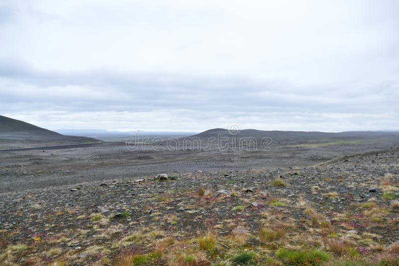 Απαίσιο και σκληρό τοπίο στη βορειοανατολική περιοχή ορεινών περιοχών της Ισλανδίας στοκ φωτογραφία με δικαίωμα ελεύθερης χρήσης