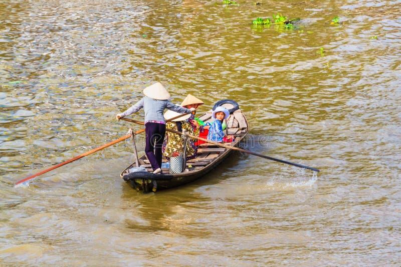Απαγόρευση Tam, Sampan, μικρή βάρκα στο ποταμό Μεκόνγκ, Βιετνάμ στοκ εικόνες με δικαίωμα ελεύθερης χρήσης