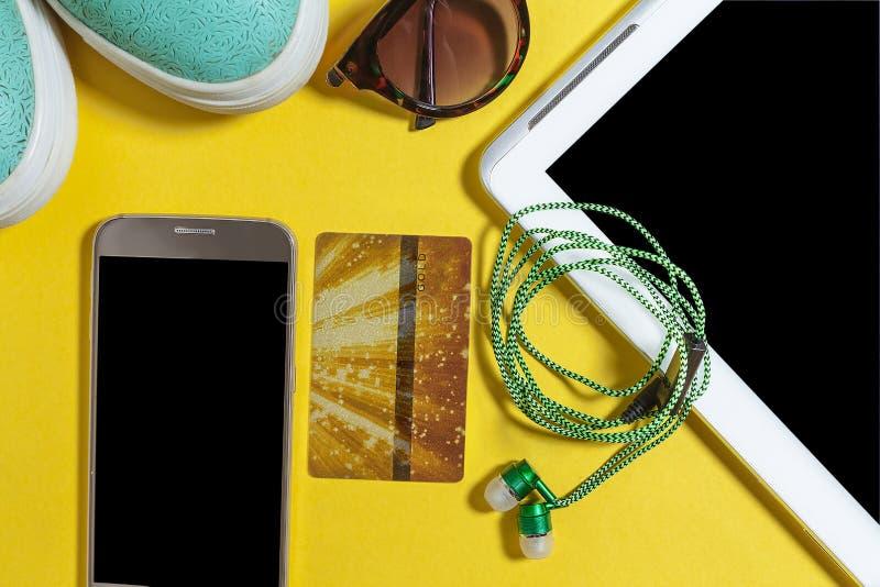 Απαραίτητες συσκευές για τη καθημερινή ζωή των σύγχρονων ανθρώπων στοκ εικόνες