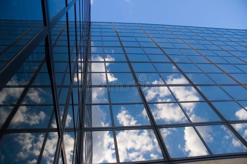 Download απεικονισμένα σύννεφα Windows Στοκ Εικόνα - εικόνα από αντανάκλαση, δομή: 1549167