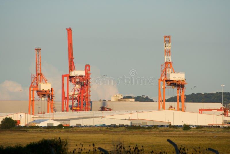 Download αποβάθρα γερανών στοκ εικόνα. εικόνα από ναυτικός, σκάφος - 1539927